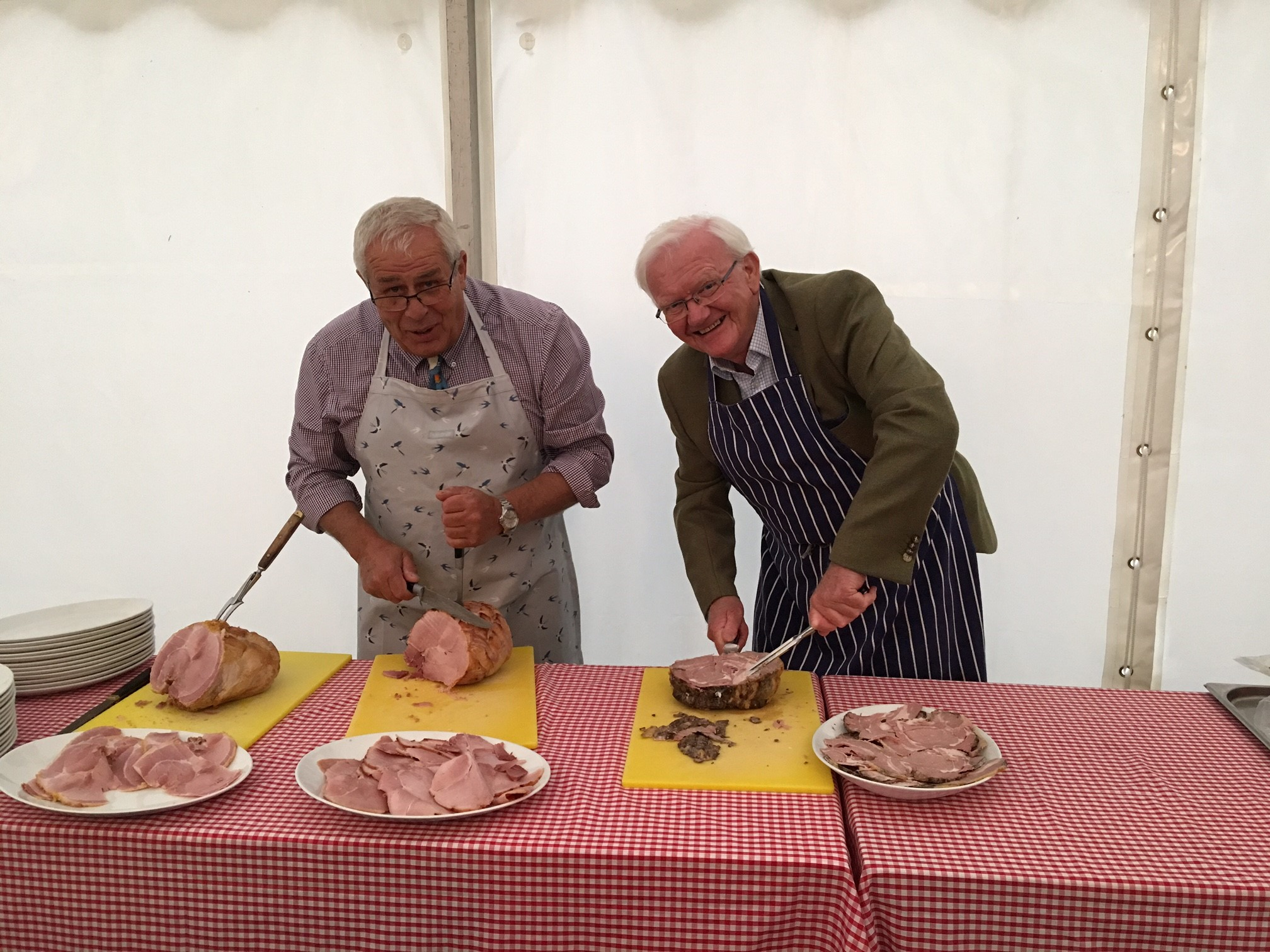 Peter Elkington and Ray Wright giving a master class on carving joints!